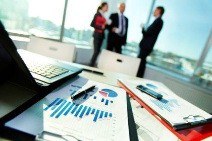 Advantages and Disadvantages of a Wholesale Business